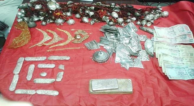 Korba theft in the Srwmngla temple.